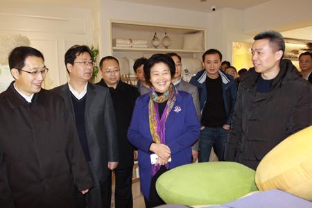 吴市长一行来到中科梦兰龙芯产业化基地了解企业原创技术发展